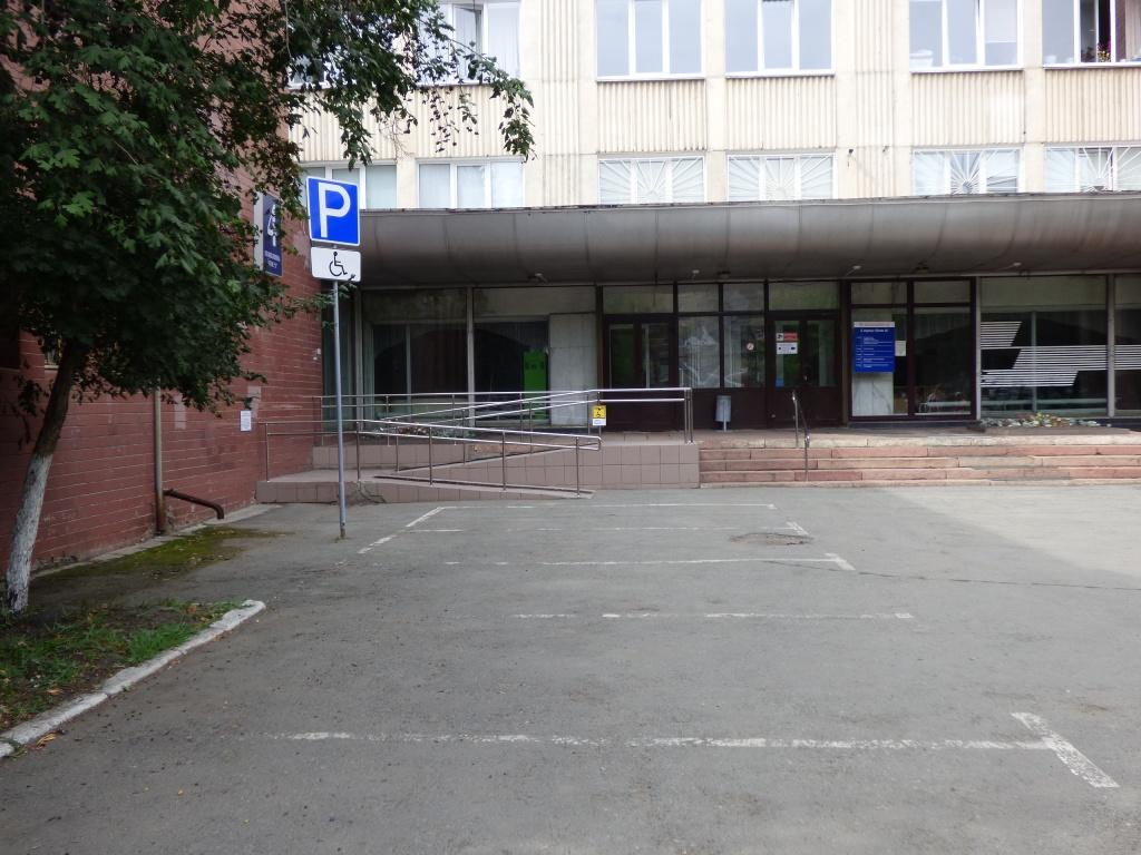Вход в горбольницу Челябинска закроют из-за ремонта